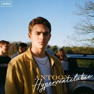 ANTOON HYPERVENTILATIE COVER